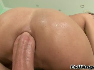 Sensuous Sex Porn Star Serves Famous Mike Adriano