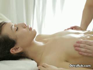 Ada loves getting لها كس يتأهل فوق و massaged