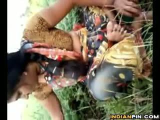 India shows ära tema privates outdoors