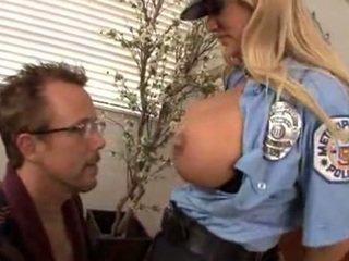 Ficken dass vollbusig polizist shyla stylez