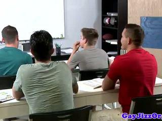 Wytrysk loving nauczycielka dominated w klasa