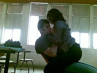 Iraqi 性别 在 学院 mustafa & yasmin - 部分 1
