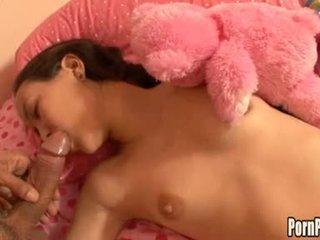 Asin pleasantheart amai liu acquires hänen kasvot hole attacked mukaan a kukko kun taas nukkuva