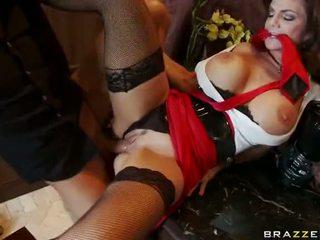 Rijpere deauxma squirting en anaal neuken video-