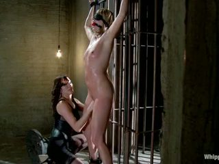 Maitresse madeline наказани и прецака и hazed в като директор на whipped дупе от принцеса donna
