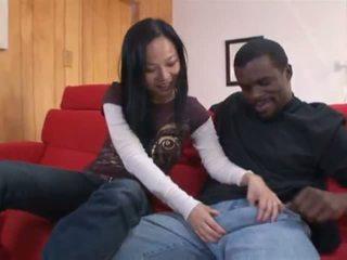 Niya yu yang abdominable hitam lelaki