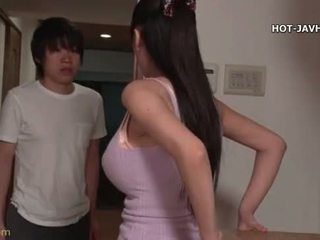 brunetta, tette grosse, giapponese