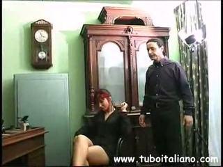 Itališkas raudonplaukiai ir blondinė mėgėjiškas