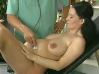 孕 妻子 研究 和 性交 由 該 醫生: 免費 色情 61