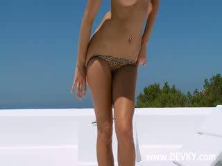 Baszás insane barna rubbing kéjbarlang