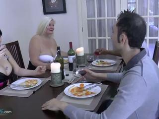 Agedlove senelė apkūnu lacey žvaigždė met jos friends: porno d9