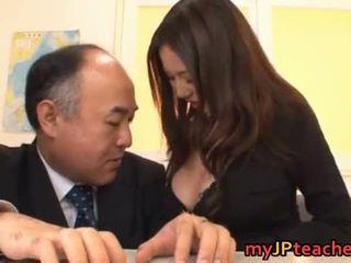 japonec, veľké prsia, japonsko