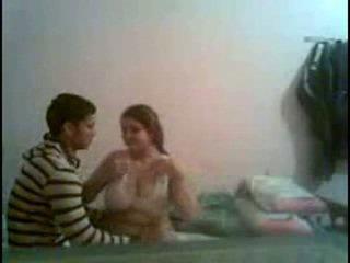 Desi duży tyłek i duży breast dziewczyna