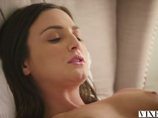 Vixen com hot bayisitter fucked by her bos: free porno 1c