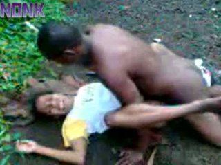 Cachonda negra pareja follando al aire libre privado vídeo