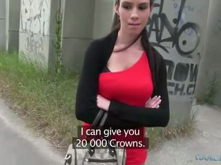 Sexy isabelle sucks y fucks para efectivo