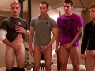 Sexig grupp amateurs masturberar
