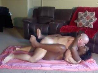 Betrapt ebony stap dochter masturberen, porno 57