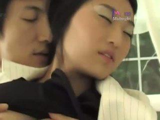 Korean roommate sex (not amateur)