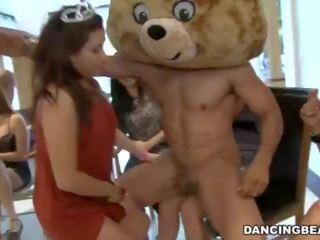 Apģērbta sievete kails vīrietis birthday ballīte ar male strippers par dejošas lācis (db9747)