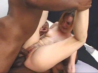ขาว แม่ผมอยากเอาคนแก่ gets screwed โดย two ใหญ่ ดำ cocks