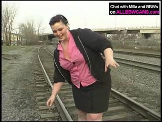 Kövér hercegnő gets meztelen tovább railway