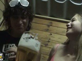 pasangan remaja, amatur, mencium