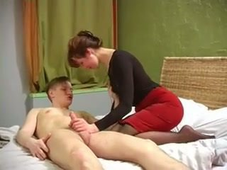 Russian mom aku wis dhemen jancok with nice muscles fucked by not her son