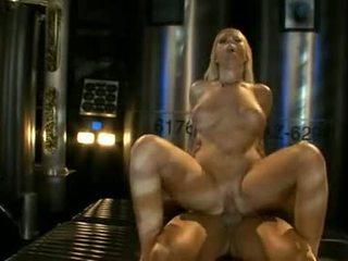 大きい titted ahryan astyn pumps 彼女の soaked aperture ハード 上の a 大規模な schlong