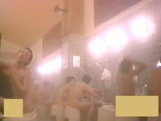 Jong babes bath 11-3