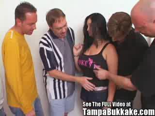 Mare pițigoi gagica ravaged de bukkake boys!