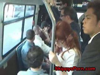 日本語 女子生徒 finger ファック 上の バス