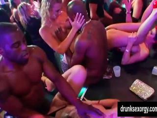 Szexi club pornósztárok dance és fasz, ingyenes porn fe