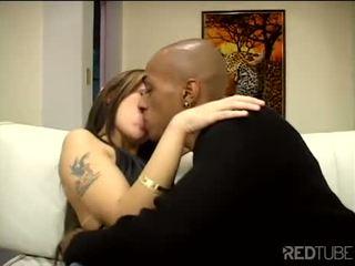 Monica ir tik seksuālā