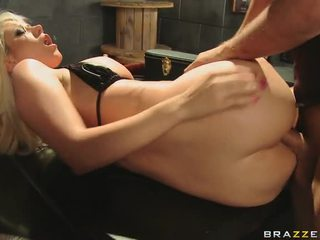 Blonde Get Fucked With A Massive Dick