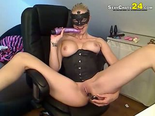 No Sound: Sexy blonde let the dildo work