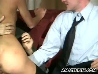 Amateur vriendin anaal trio met facials