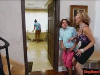 熱 女傭 abby lee brazil 3一些 同 巨大 警報器 繼母