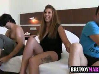 spaniol, sex în trei, 18 ani