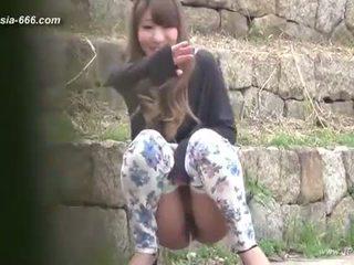 中國的 女孩 去 到 toilet.3