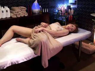 Mosaic: đại học cô gái reluctant cực khoái qua masseur