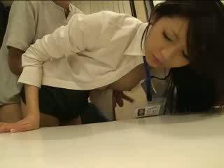 Én csinos japán officemate
