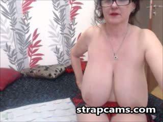 briunetė, big boobs, kamerą