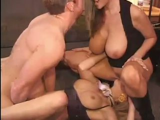 Nóng kelly madison và michelle b gets của họ thơm pussies hammered cứng