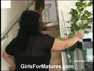 Victoria un gertie lezzy māmiņa iekšā actionion