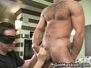 Φανταστικός homo fellow stripping και μαλακία καβλί 3 με gotmasked