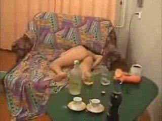 Guys jít také daleko s opilý vysoká škola dívka video