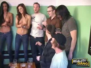 Greatlooking seks zabava