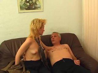Loira gets peluda cona pounded
