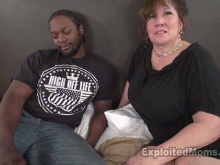ใหญ่ หัวนม สมัครเล่น gives เป็นครั้งแรก เซ็กส์ระหว่างคนต่างสีผิว bj